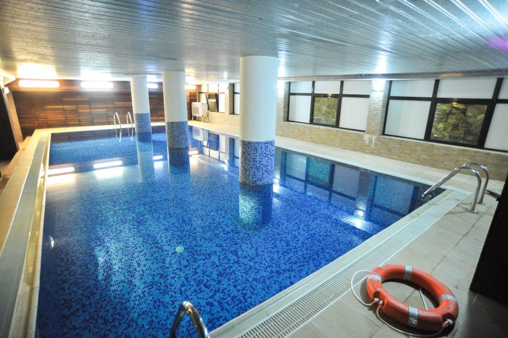 Sejur odihna 2018 slanic moldova hotel perla for Cazare cu piscina interioara valea prahovei